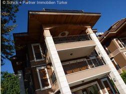 Luxus Villa grossen Raumangebot Traumpanorama - Haus kaufen - Bild 1