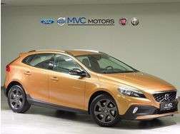 Volvo V40 Cross Country T4 AWD Momentum Geartronic - Autos Volvo - Bild 1
