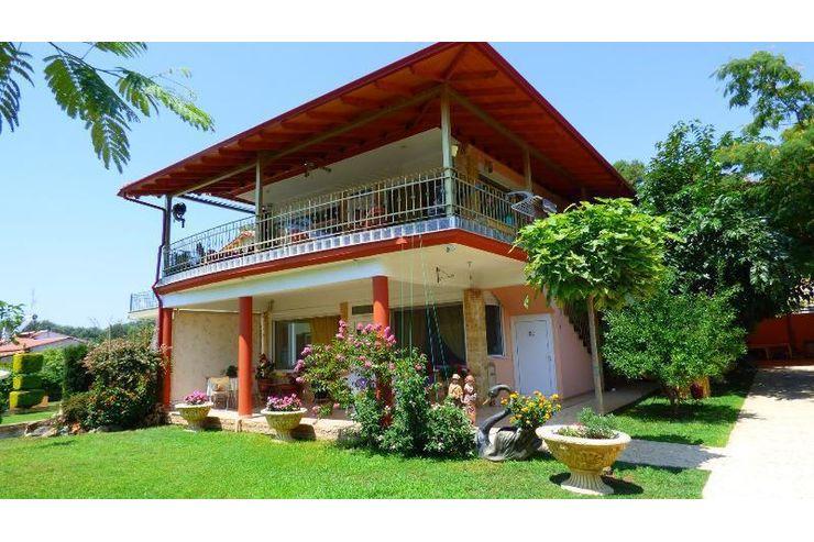 wundersch nes ferienhaus von 180 qm in nea kallikratia chalkidiki in nea kallikratia. Black Bedroom Furniture Sets. Home Design Ideas