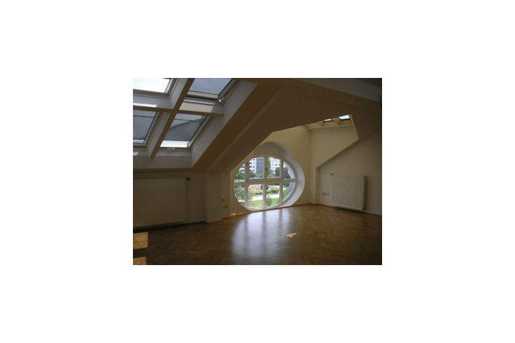 Sehr helle und ruhig gelegene Dachgeschoßwohnung mit ...