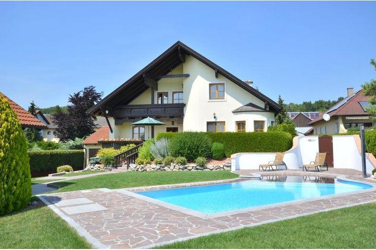 Einfamilienhaus mit pool  DER ABSOLUTE HINGUCKER! Geschmackvolles, großzügiges ...